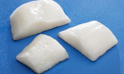 Porciones de bacalao congelado